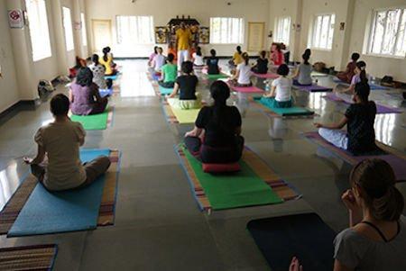 "<div style=""font-family: catamaran; color:#373737"">Sivananda Yoga Vedanta Centre</br><span style=""font-size: .8em"">Chennai (Madras) | India</span></div>"