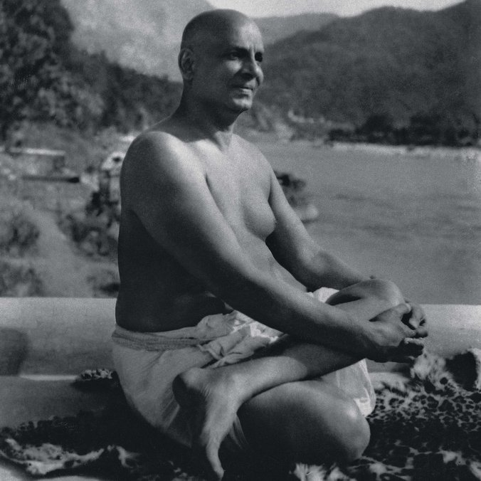 "<div style=""line-height: 1.3; color: #ffffff; font-family: catamaran;"">SWAMI SIVANANDA</br>BIRTHDAY CELEBRATION !</br> </div>"