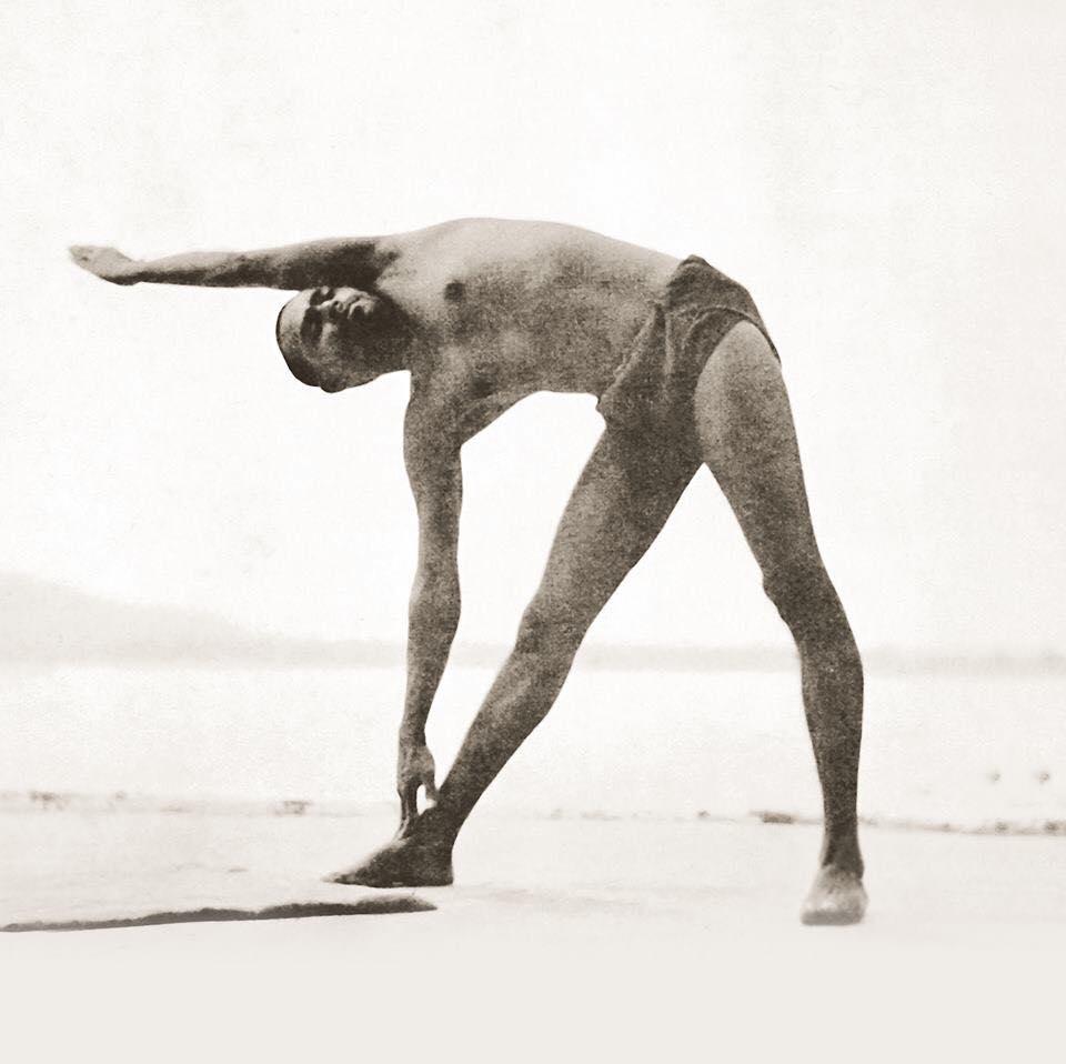Trikonasana - Triangle | 12 Basic Asanas | Sivananda Yoga | Yoga Warehouse